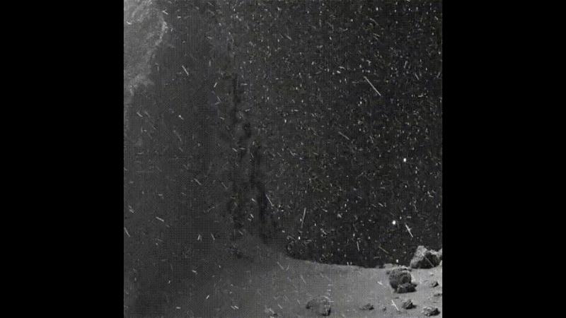 Пыль вокруг кометы 67P-Чурюмова-Герасименко. Снимки сделаны космическим аппаратом «Розетта». Автор анимации- landru79 (Twitter)