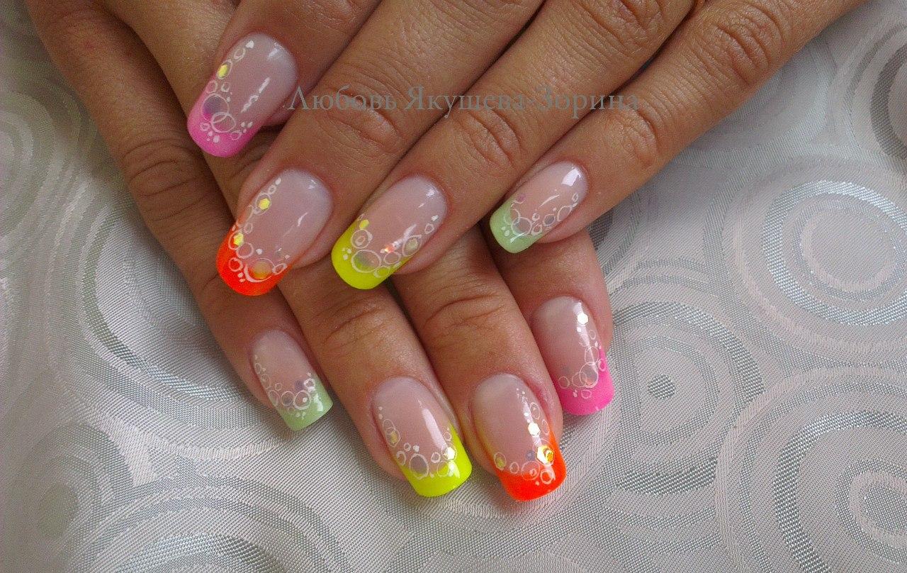 Фото дизайн ногтей яркий