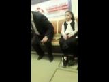 Министр образования и науки Армении Араик Арутюнян едет на метро на работу
