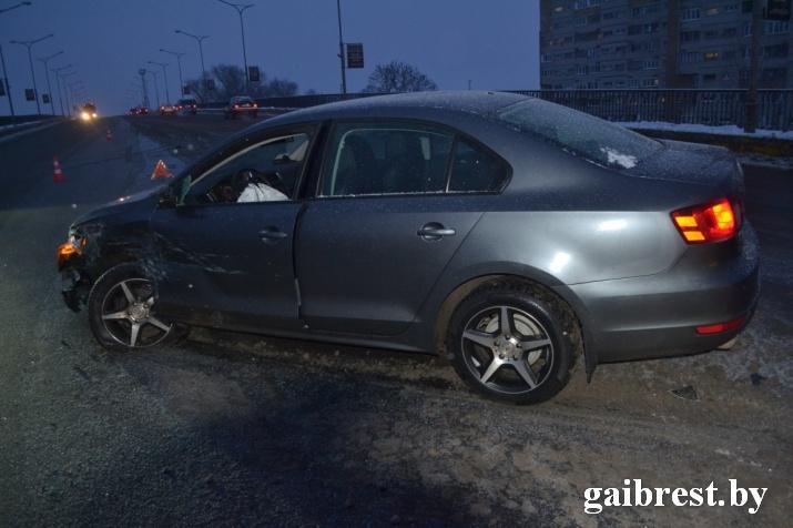 """В ГАИ рассказали об обстоятельствах ДТП на """"берёзовском мосту"""" утром 11 января"""