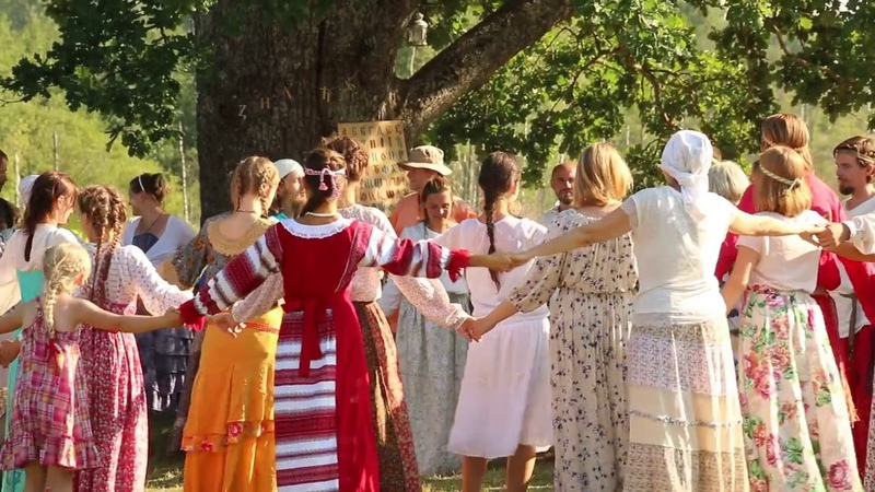 Хоровод со Светозаром на фестивале Собери свою Матрёшку 2018