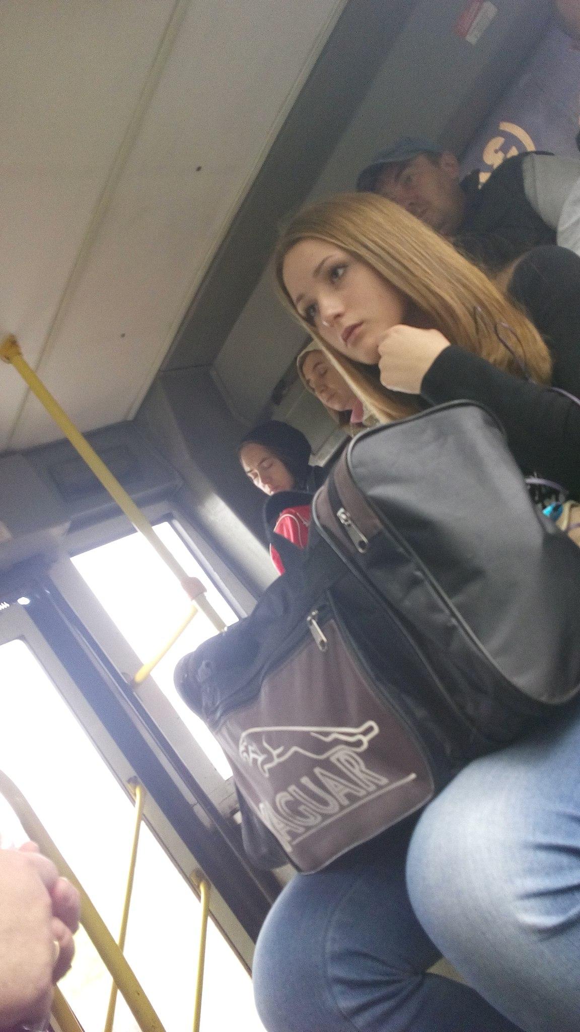 Фото девушка с парнем с короткой стрижкой брюнетка 14 фотография