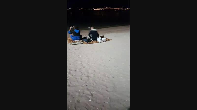 Забрел на пляж в Иордании - первый раз. Купаться?