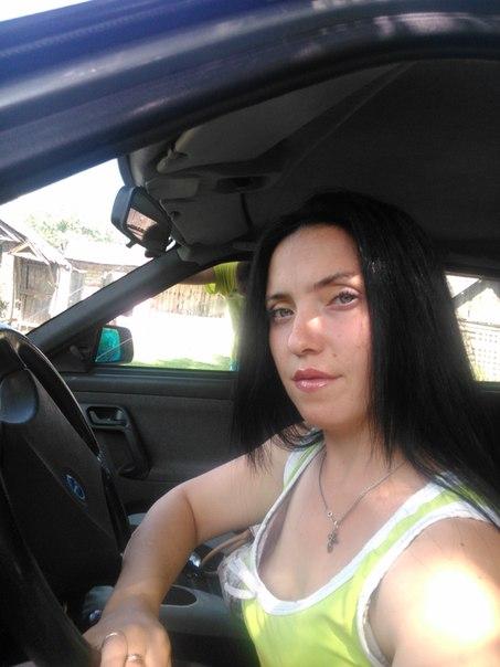Small Tits and the naked Ekaterina Andreeva fake