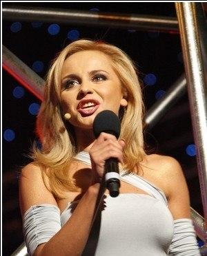 Язик і справжнє обличчя Лілії Ребрик