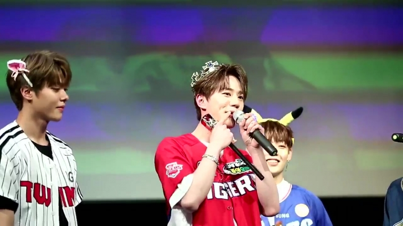 28.04.2018 fancam Джун на автограф-сессии UNB в Jayla Art Hall
