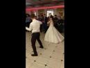Танец жениха и невесты❤️😍 простите что дёргаю камерой😁 кайфовала вместе с ними❤️