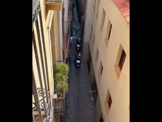 """Очередная серия """"Путешествия зеленодольца в Испании» посвящена штрафам за нарушение карантинного режима."""