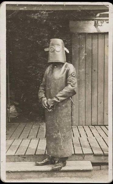 Вот как выглядели сотрудники рентген-кабинетов в Англии 100 лет назад.