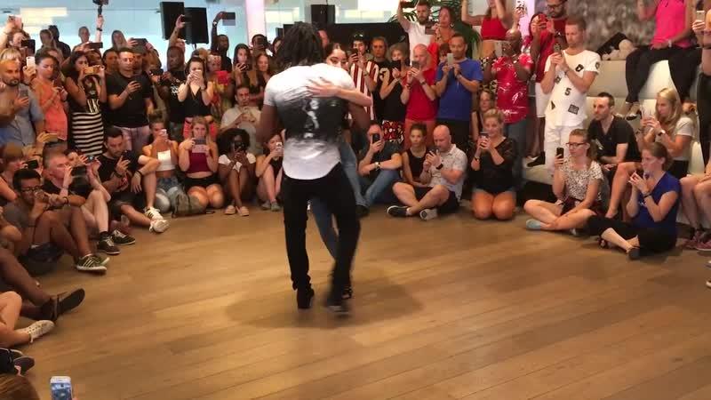 URBAN KIZ TRICKS jojo let's play kizomba Jonathan Mahoto I Love Kizomba Sensual Festival 2018 2 02 сек обход в другую стор