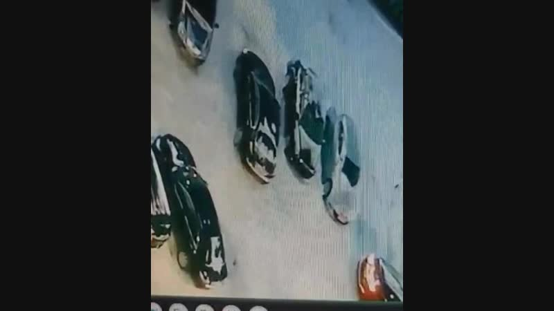 Цепанул машину