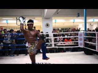 Шоу бой Международная выставка в Макао Buakaw exhibition fight in a local Chinese gym on Feb 27th 2014