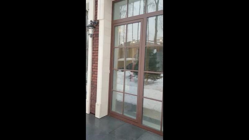 Паралельно сдвижная дверь Alutech w72