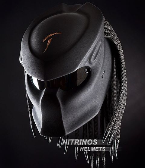 Шлем Хищник от Nitrinos Helmets