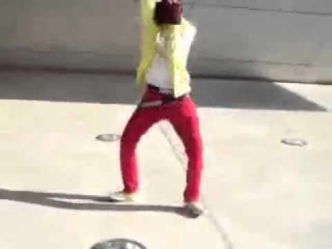 Cute emo boy dancing tecktonik