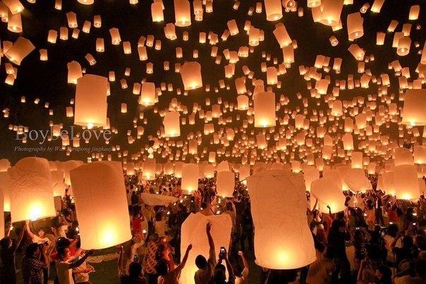 Тысячи свечей можно зажечь от единственной свечи, и жизнь ее не станет короче. Счастья не становится меньше, когда им делишься.   © Будда