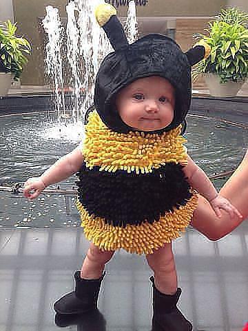 А я пчелка ЖУ-ЖУ-ЖУ, всем улыбку приношу!!!)))