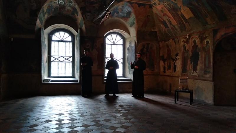 Трио певчих в соборе Ильи Пророка, г. ЯРОСЛАВЛЬ