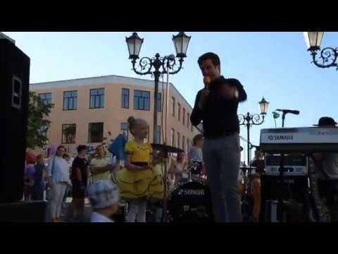 Майя Олесеюк Озорная оса , на благотворительном концерте в помощь Даше Сержан