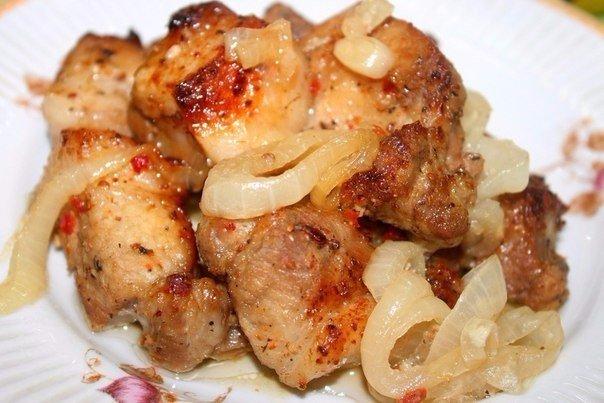 """Шашлык в духовке на """"луковой подушке"""" Ингредиенты: Мясо ("""