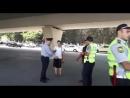 ГАИ МВД работают.Пешеходы - нарушители в Баку и их задержание. Азербайджан Azerbaijan Azerbaycan БАКУ BAKU BAKI Карабах 2018 HD