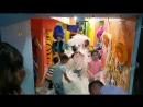 бумажное шоу с троллями в детском клубе Мини Бамбини