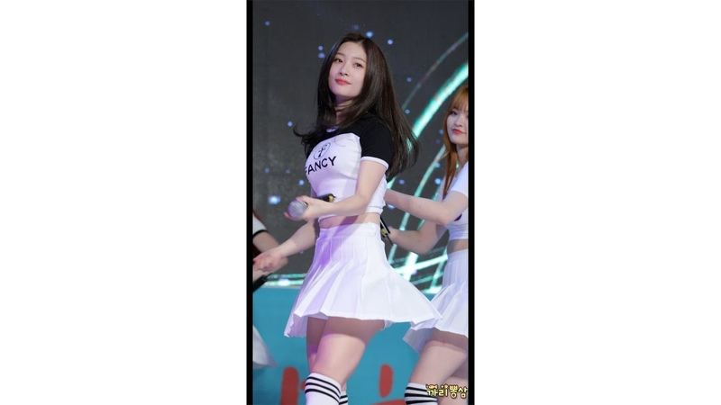 [4K] DIA 다이아 Jung Chaeyeon 정채연 'Will you go out with me' 나랑사귈래 평화이음토요콘서트 직캠/Fancam 181013 by