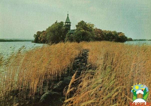 Остров Кижи. Часовня Трех святителей из деревни Кавгоры