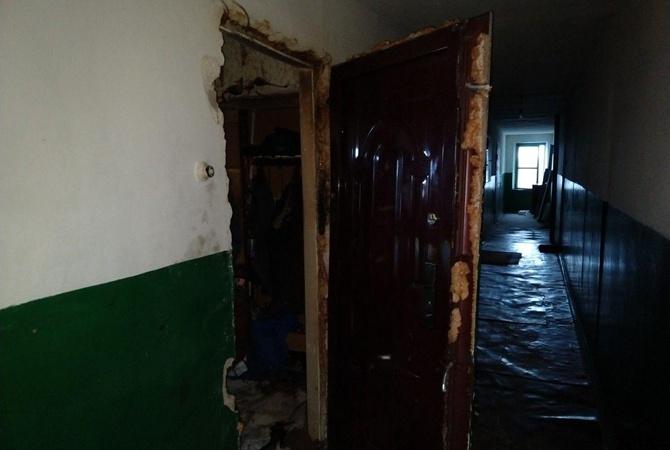 В Славянске случился взрыв в пятиэтажке, есть пострадавшие (фото)
