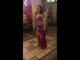 Восточный танец в ресторане