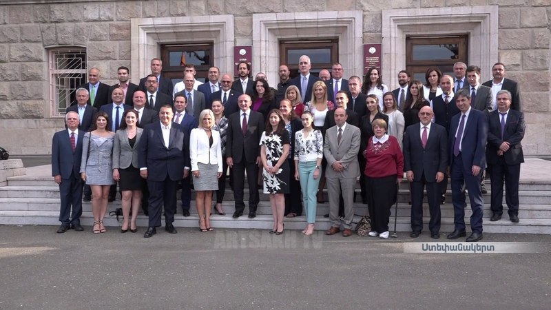 Բակո Սահակյանն ընդունել է ԱՄՆ հայ իրավաբա13