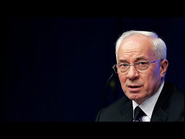 Азаров в прямом эфире ответил на неудобные вопросы журналистов