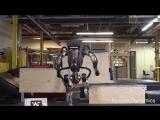 Робот Atlas научился перепрыгивать препятствия