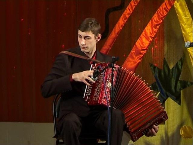 Рязанский гармонист Алексей Симонов