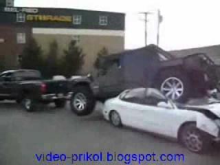 Американский грузовик везет тонны леса - YouTube