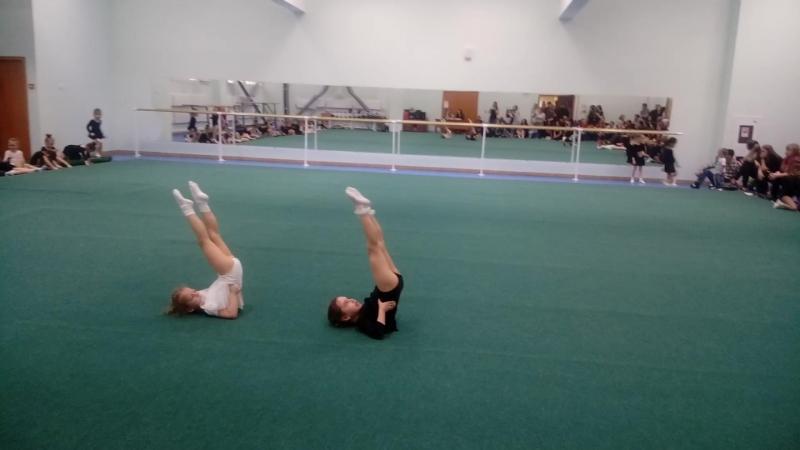 Наша юная гимнастка