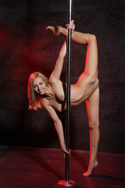 фото голые стриптиз