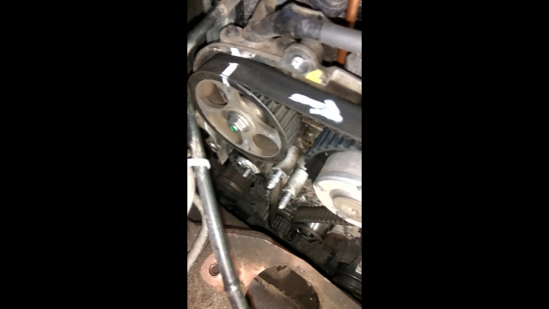 Замена ГРМ без спецухи Renault Duster 2 0 F4R часть 1