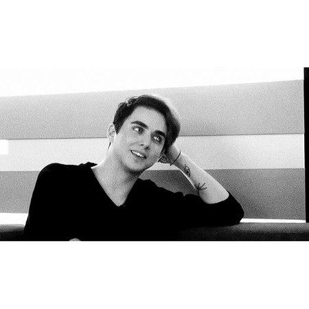"M É L O V I N 👁 on Instagram: ""— ;; Всем отличного дняяя.Улыбайтесь всегда.💫 [ @melovin_official @big_house_melovin1 ] Melovin MELOVIN Mélovi..."