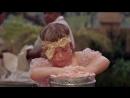 Элизабет Тейлор и мороженое из к ф Кошка на раскаленной крыше реж Ричард Брукс
