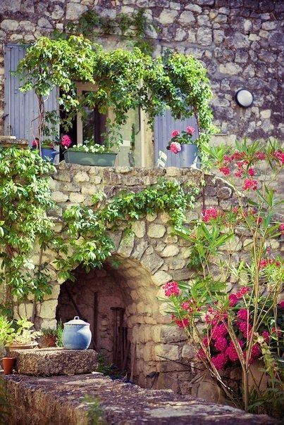 Уютные, солнечные улочки Прованса, Франция
