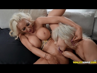 Nicolette Shea, Elsa Jean lesbian porno