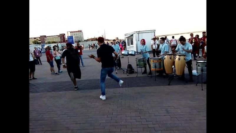 ЧМ 2018 в Волгограде Крэйзи Битс перед матчем Англия Тунис 18 06 2018