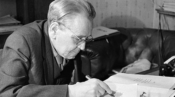 3 ноября 1887 года родился Самуил Маршак.