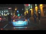 Громкая музыка стала причиной драки между водителем и пешеходами в Минске