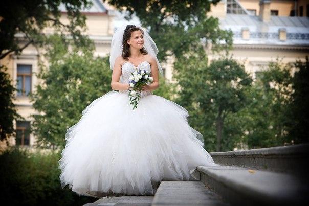 Свадебное платье рваная юбка