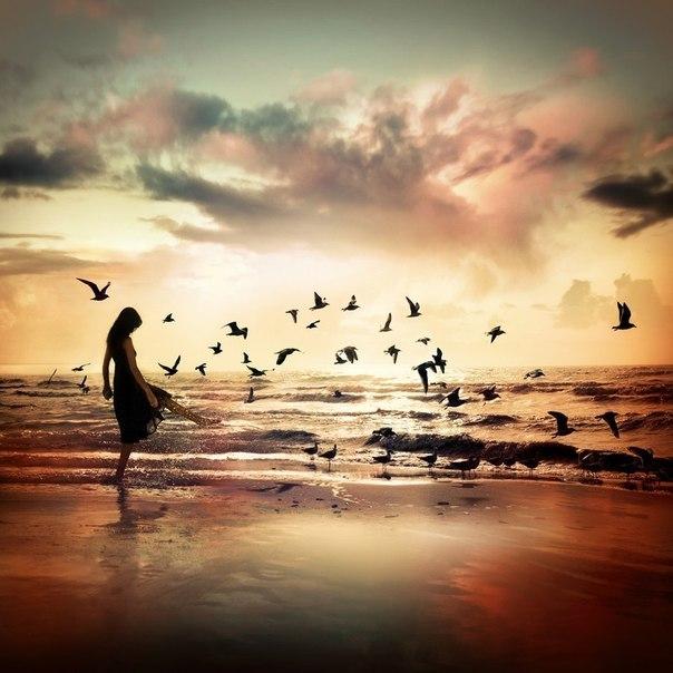 Любая вещь является правильной или неправильной лишь постольку, поскольку ты так считаешь. И ничто не является правильным или неправильным по сути своей. Первое, что стоит уяснить себе о Вселенной, – это то, что никакое условие не является «хорошим» или «плохим». Оно просто есть. Поэтому перестань оценивать. То, что происходит, – это просто то, что происходит. Как ты чувствуешь себя по этому поводу – это другое дело. — Нил Дональд Уолш