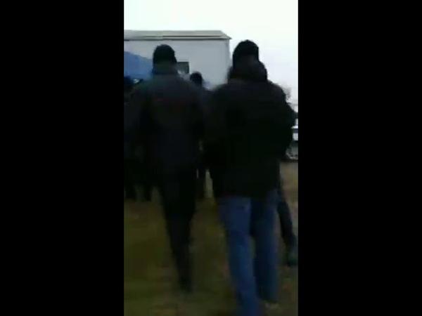 Полиция в Ингушетии избивает и задерживает граждан собравшихся на субботник