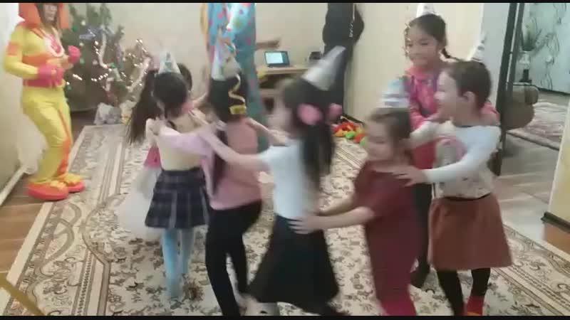 Райяна Уыздын туган кунинде