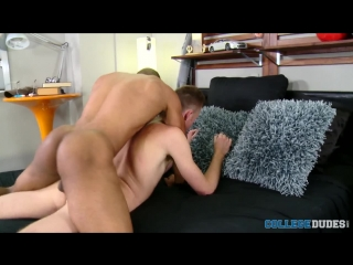 [CollegeDudes.com] Ty Royal Tops Taylor Blaise